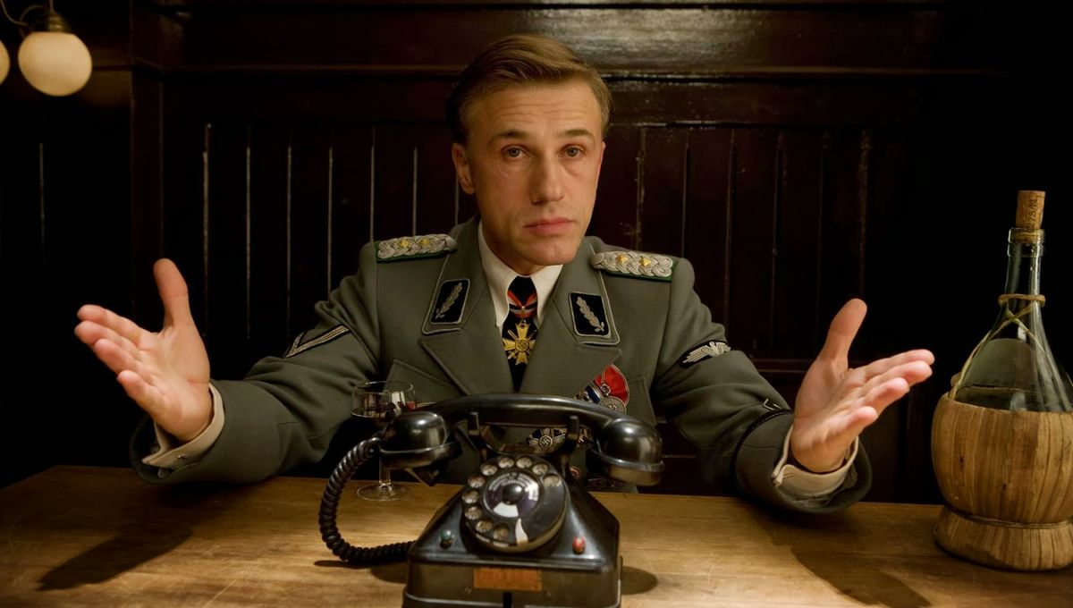 inglorious_basterds_christoph_waltz_inglourious_79_hans_landa_desktop_1900x1267_hd-wallpaper-518628.jpg