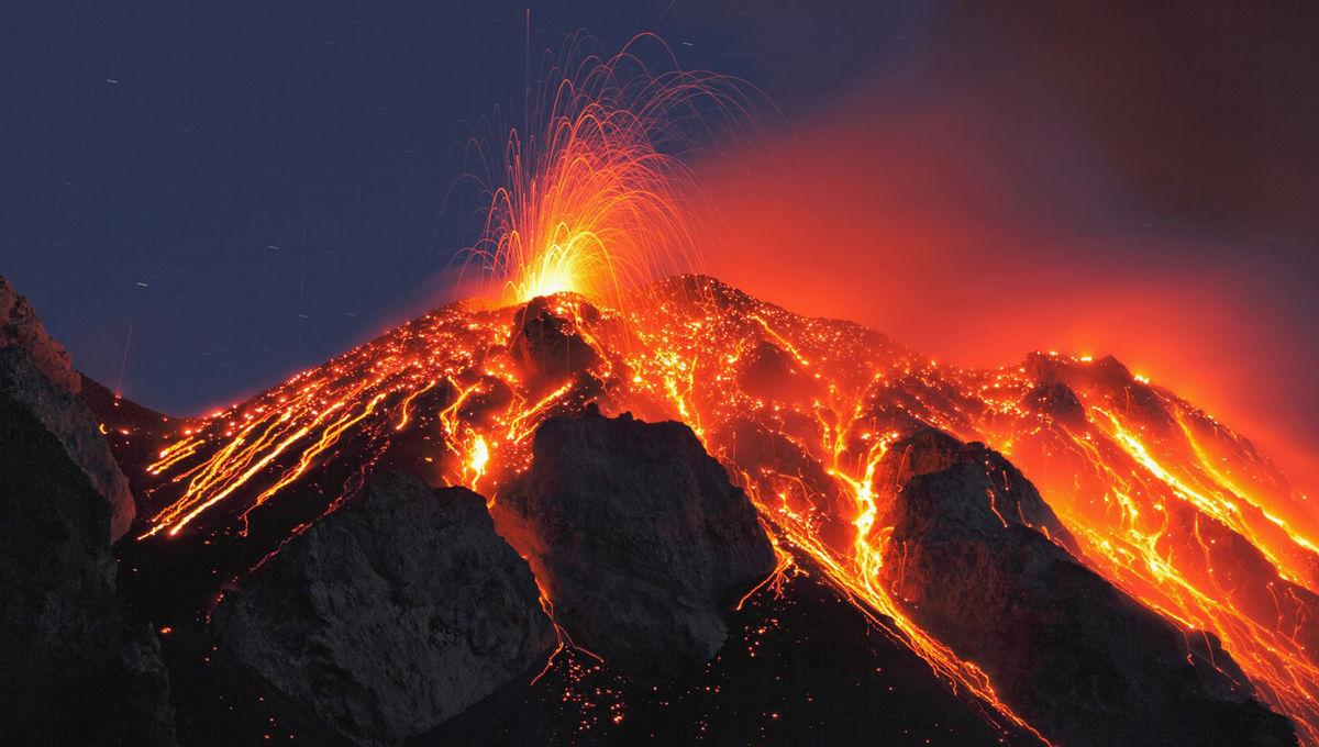 italy-sicily-stromboli-volcano-eruption.jpg