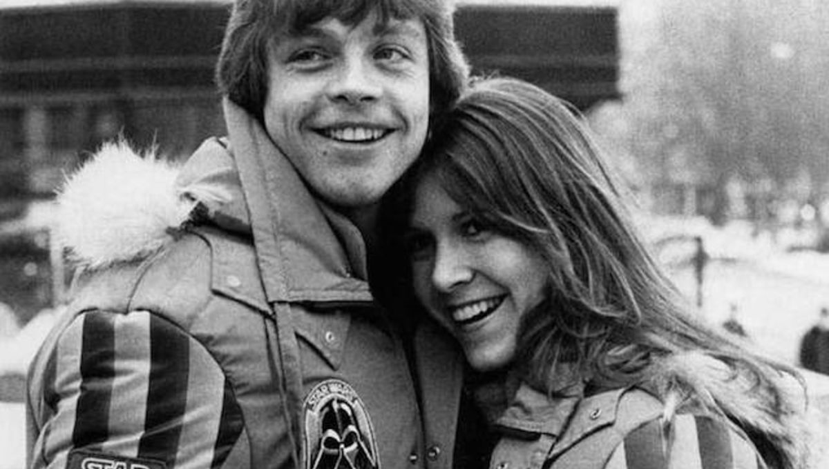 mark-hamill-and-carrie-fisher-on-set-of-empire-strikes-back-vintage-photo-1.jpg