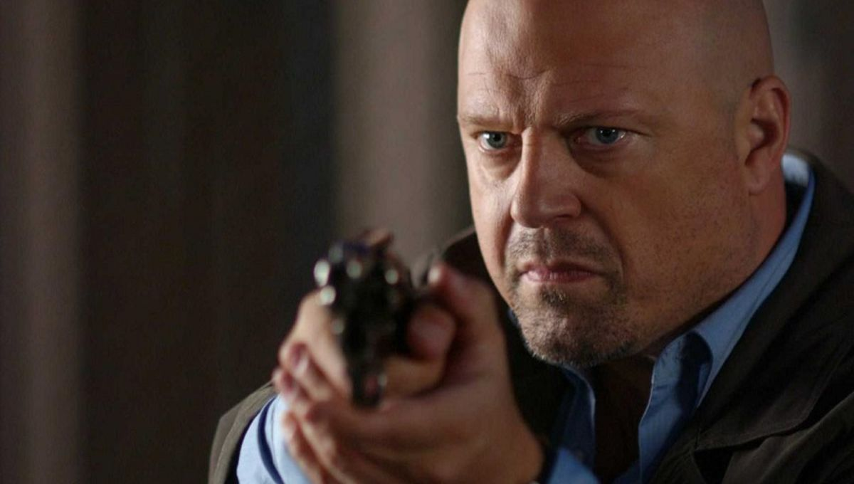 michael-chiklis-in-rise-blood-hunter-wallpaper-210308677.jpg