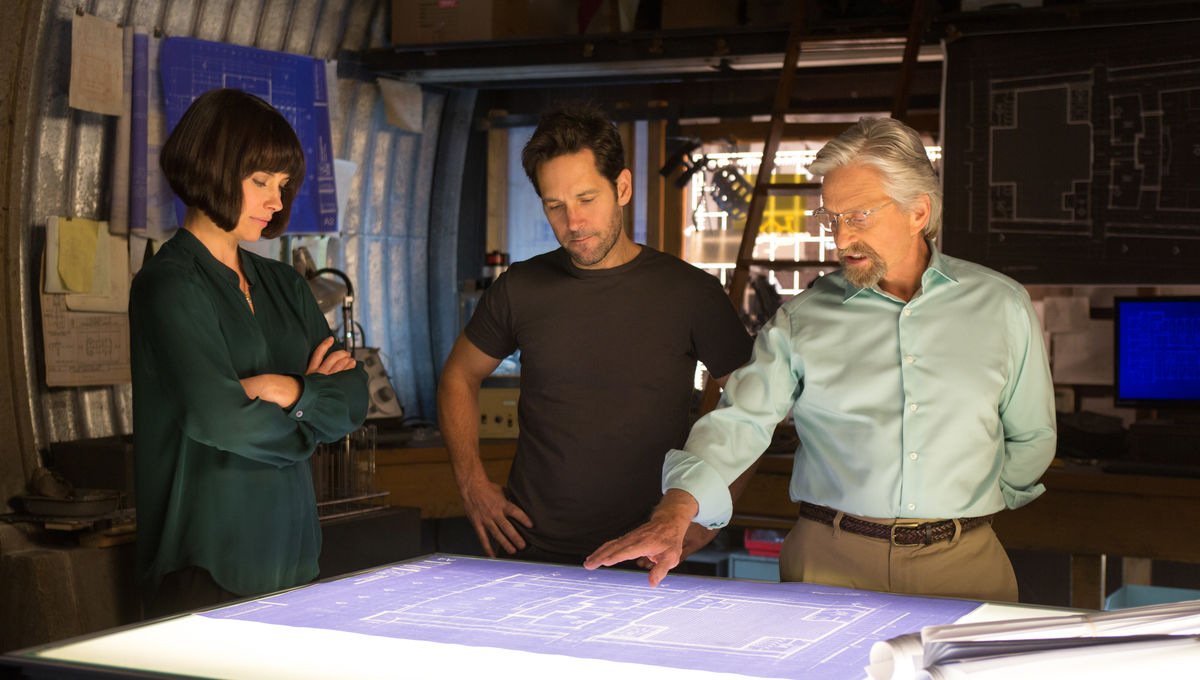 michael-douglas-paul-rudd-evangeline-lilly-Ant-Man.jpg