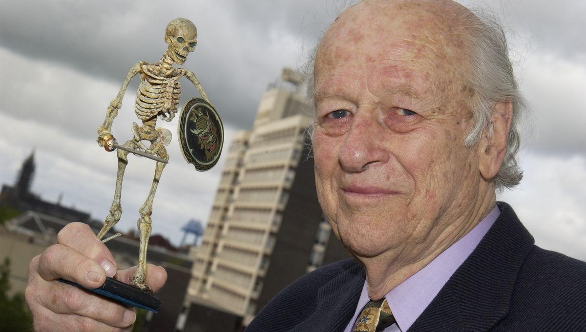 Legendary stop-motion monster maker Ray Harryhausen dead at 92