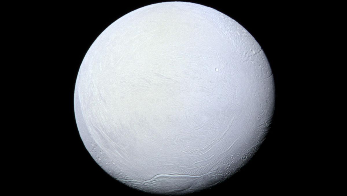 saturn-enceladus-snowball-cassini-photos-12-24.jpg