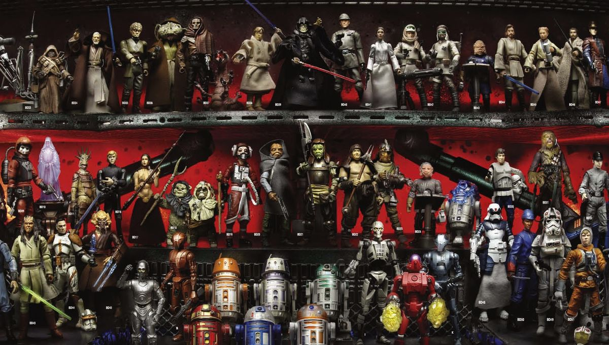 star-wars-action-figures-on-the-12-inch-scale-were-released-from-1995-2160x1152.jpg
