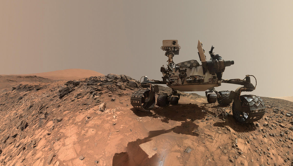 Curiosity self-portrait taken in August 2015.