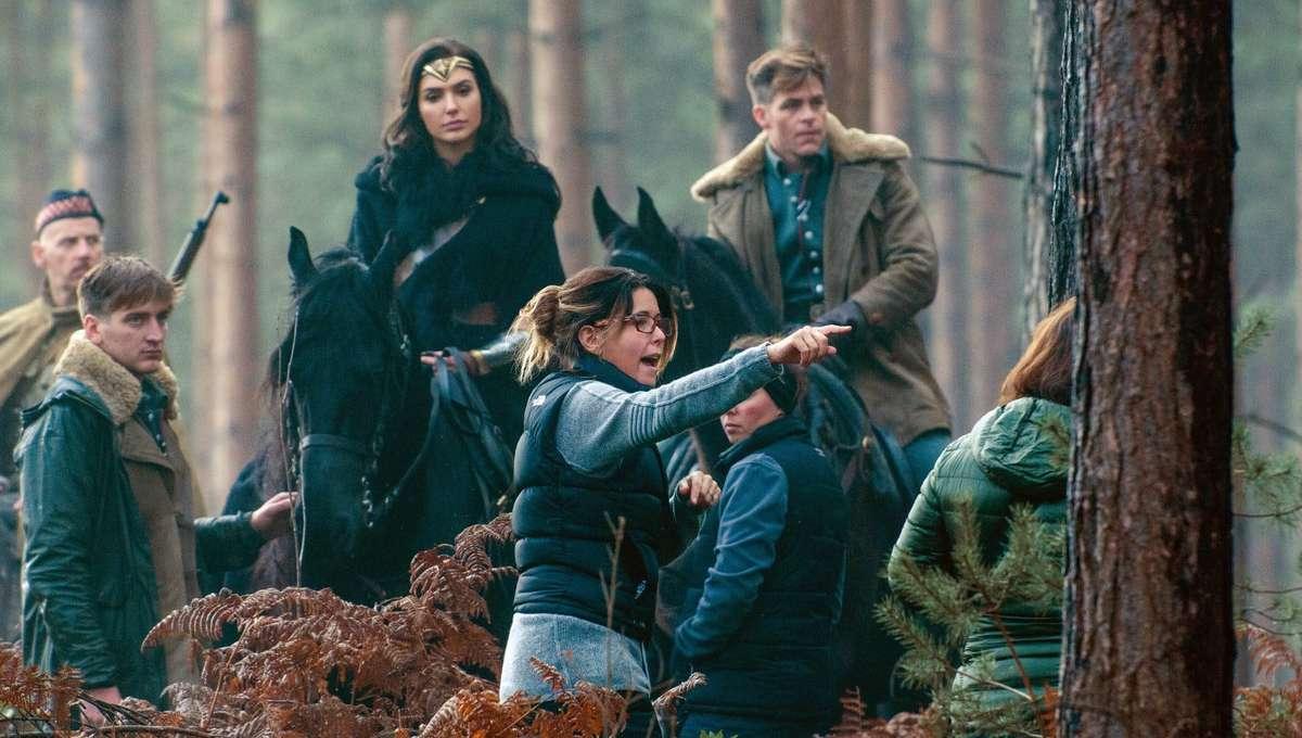 Patty-Jenkins-on-the-Wonder-Woman-set.jpg