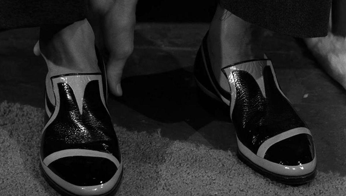 twilight_zone_dead_mans_shoes_01.jpg