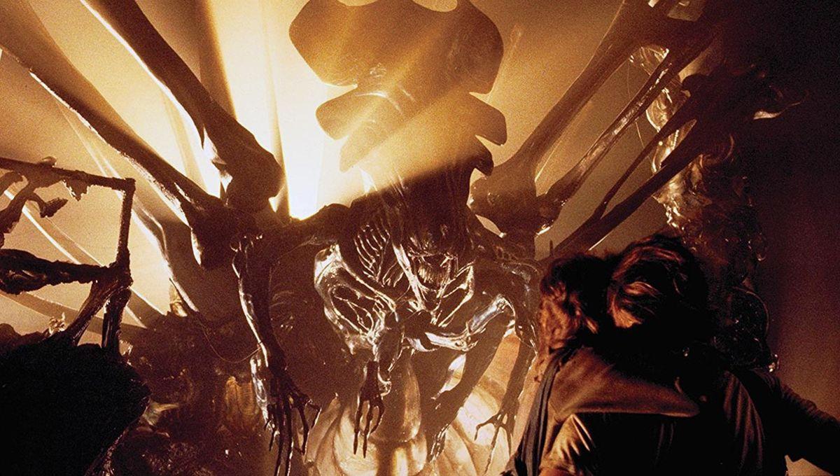 aliens_queen_hero_01.jpg