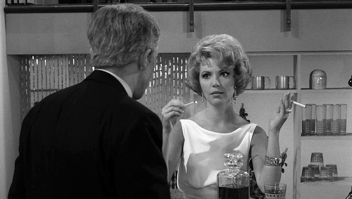 twilight_zone_short_drink_from_a_certain_fountain_01.jpg