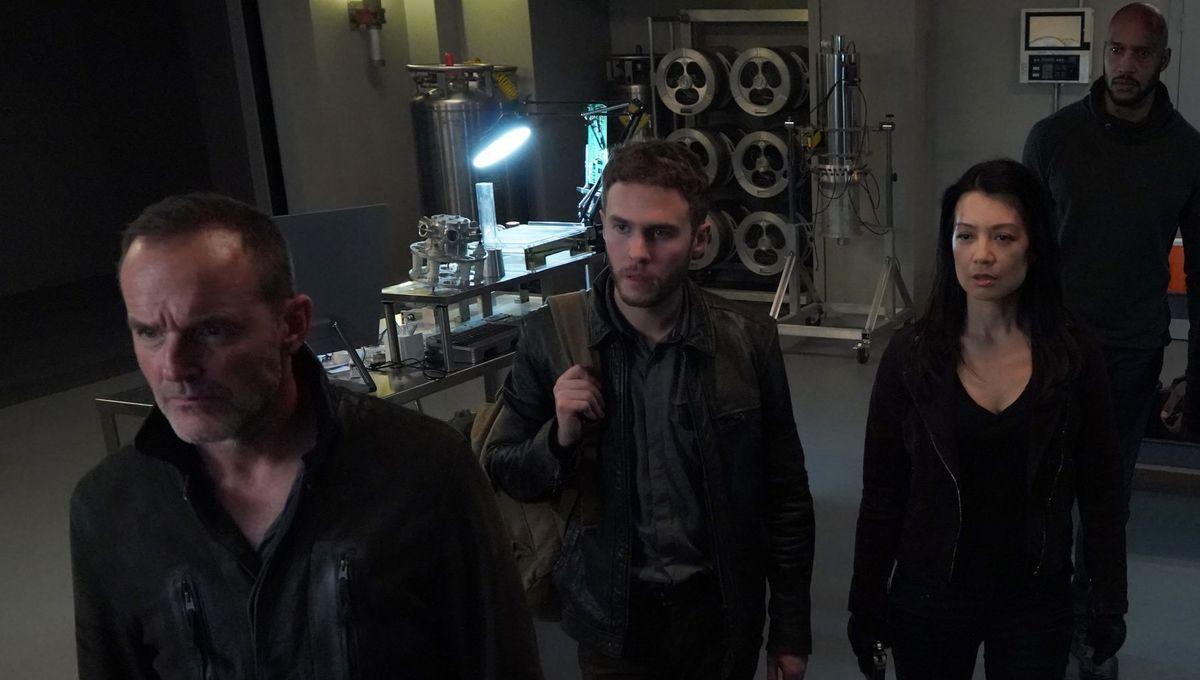 agents_of_shield_season_5_cast.jpg