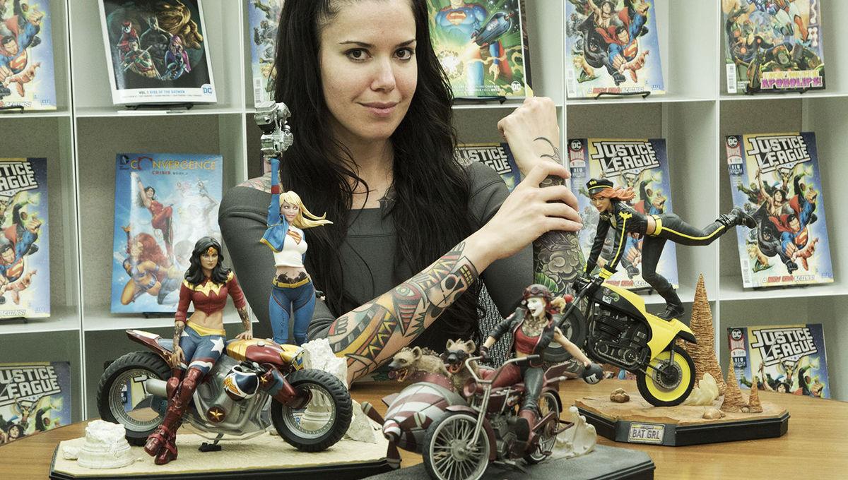 DC Collectibles Gotham City Garage Harley Quinn Statue