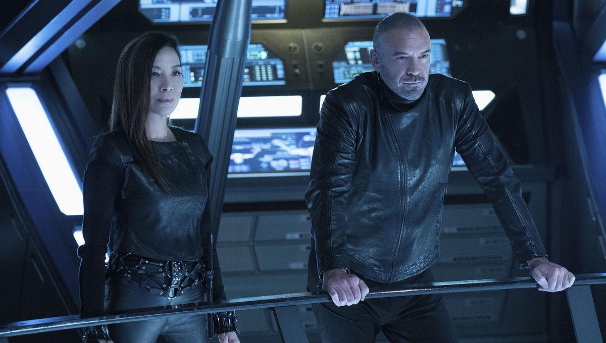 Michelle Yeoh and Alan Van Sprang in Star Trek: Discovery