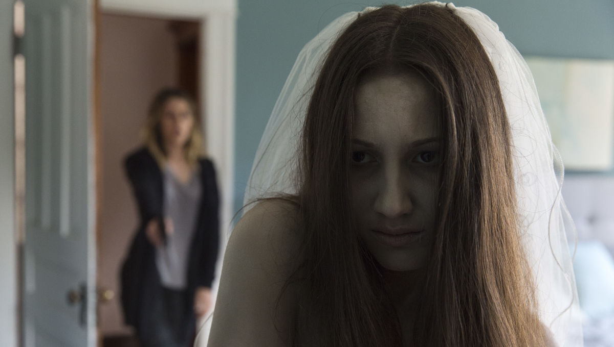 Zoe Belkin as a ghost in horror movie Isabelle