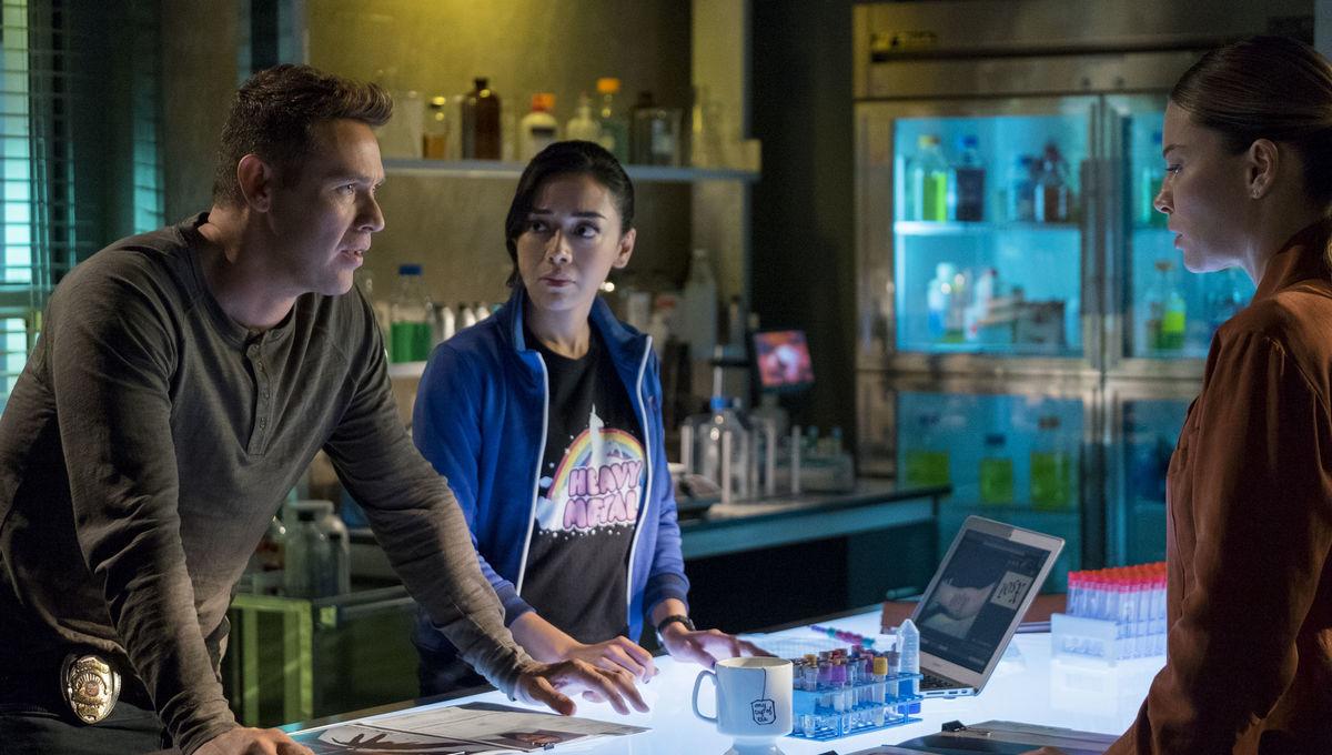 Lucifer Season 4 Dan Espinoza and Ella Lopez