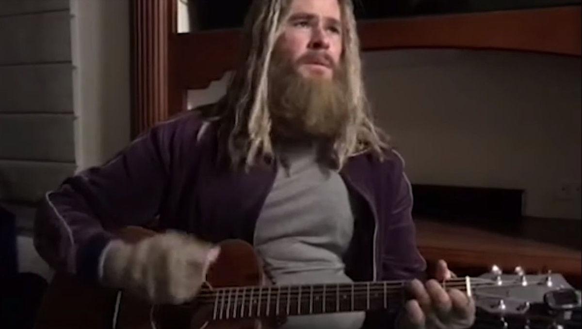 Chris Hemsworth Lebowski Thor singing