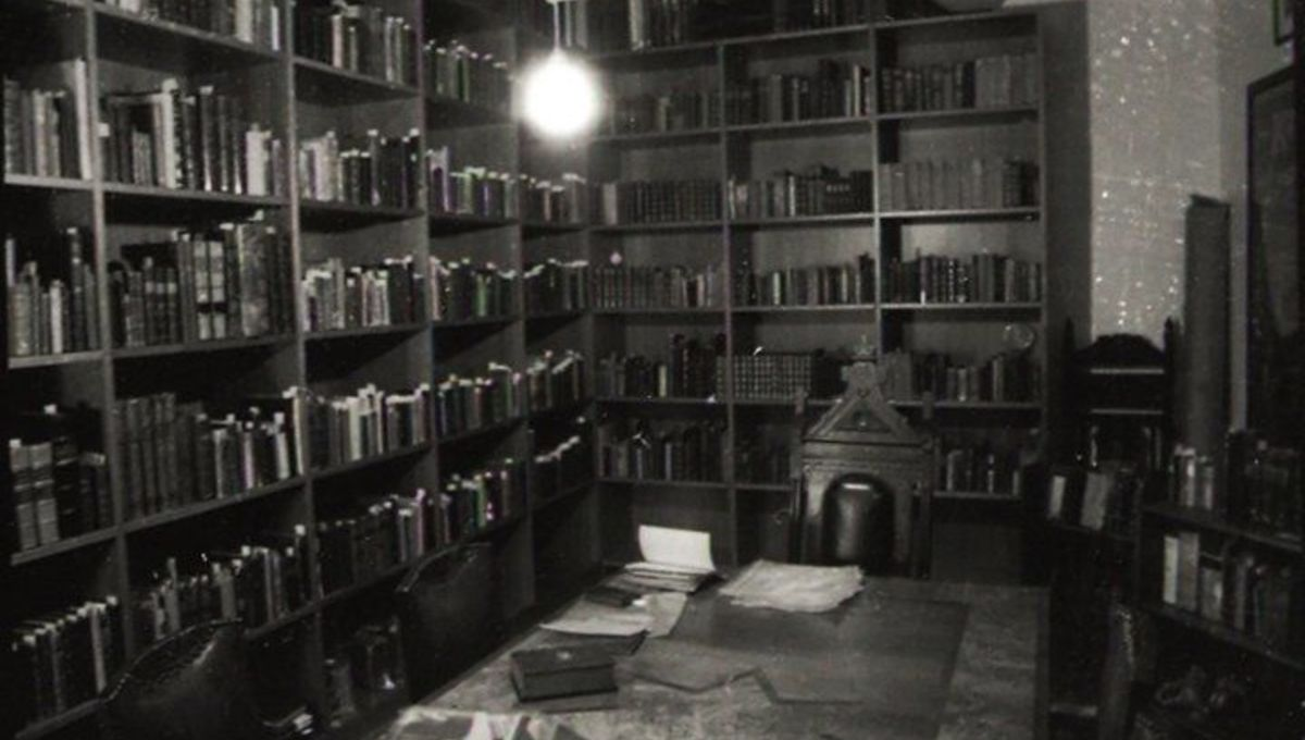 Library of Conjuring Arts