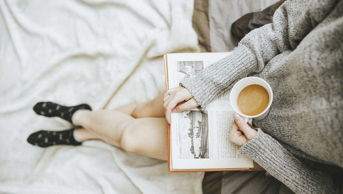 woman-reading-with-coffee