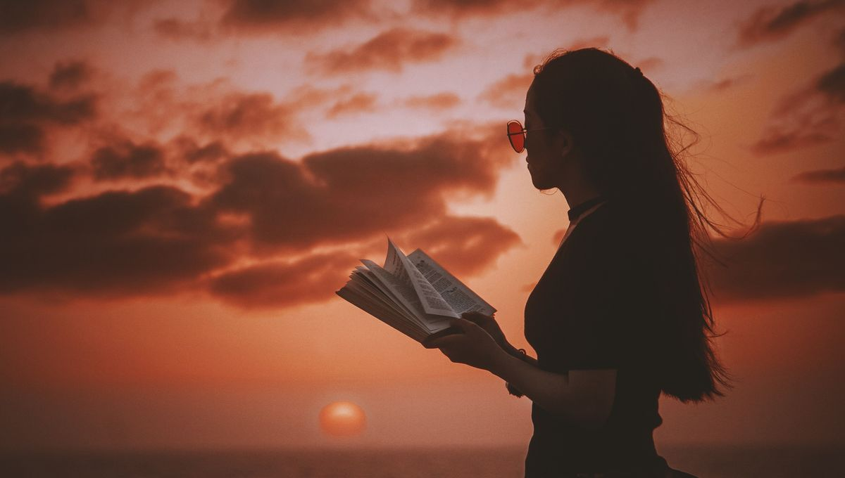 woman-reading-unsplash
