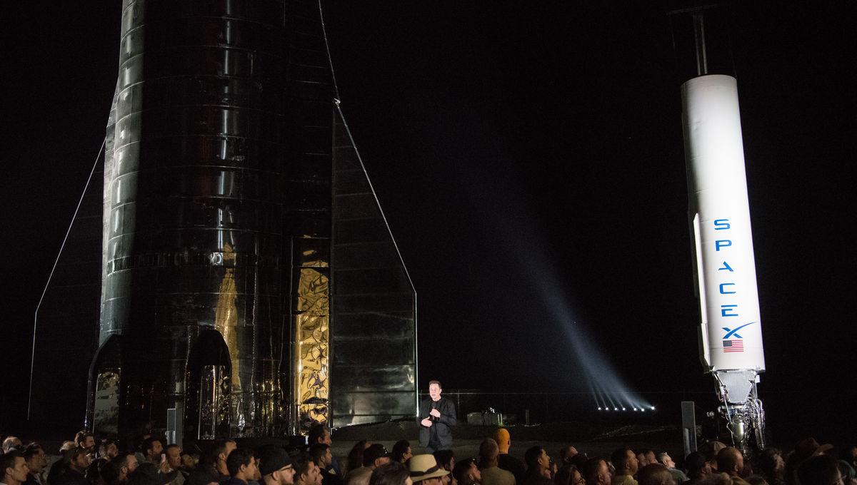 Elon Musk unveils the Starship prototype