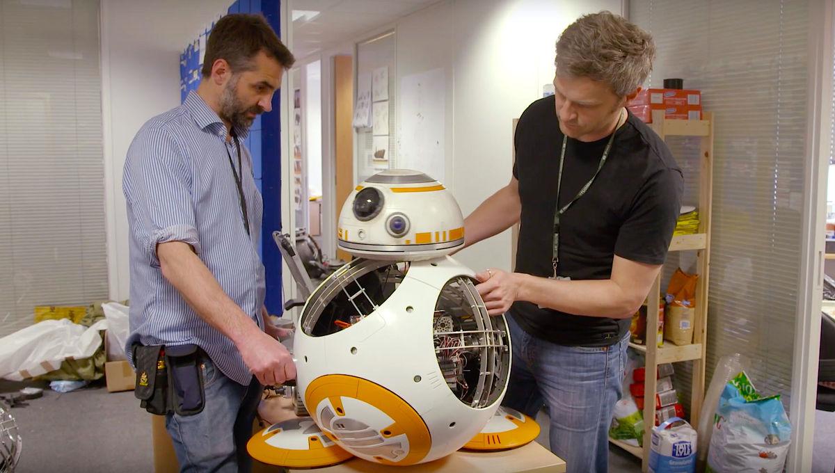 Star Wars BB 8 in the workshop on Star Wars Galactic Builders