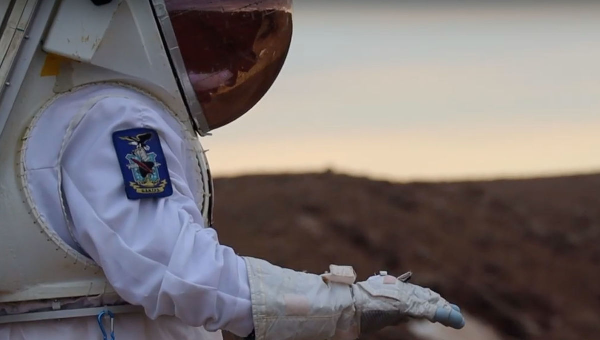 Ntention astronaut smart glove
