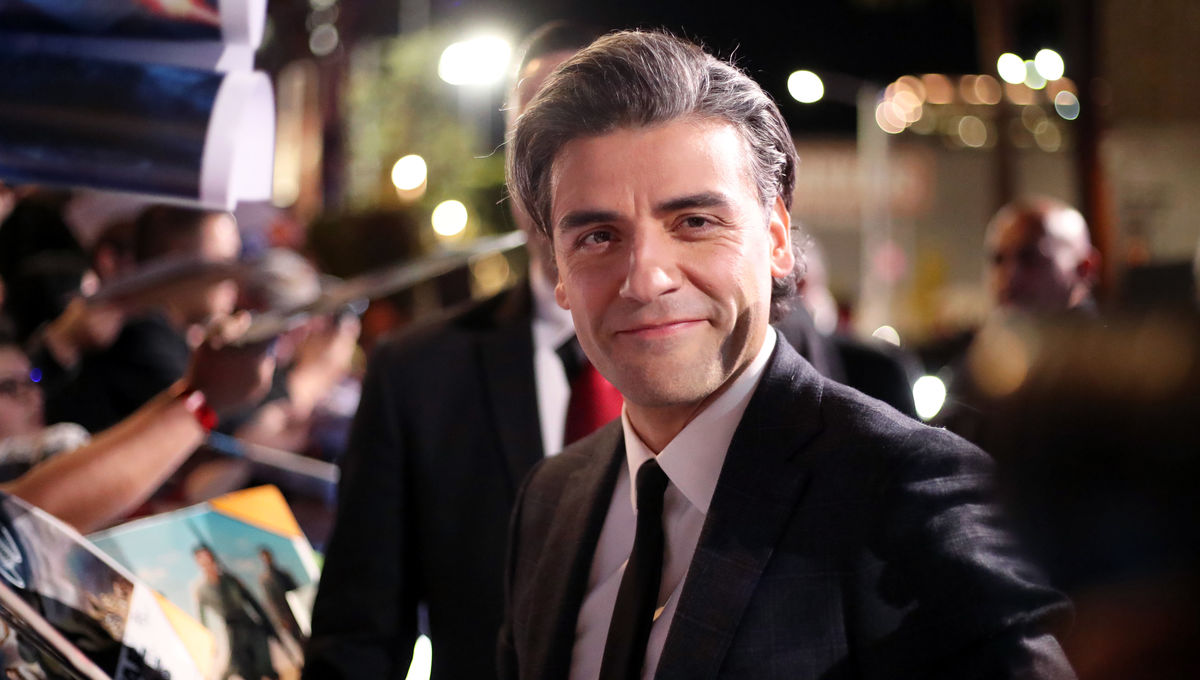Oscar Isaac at the Rise of Skywalker red carpet