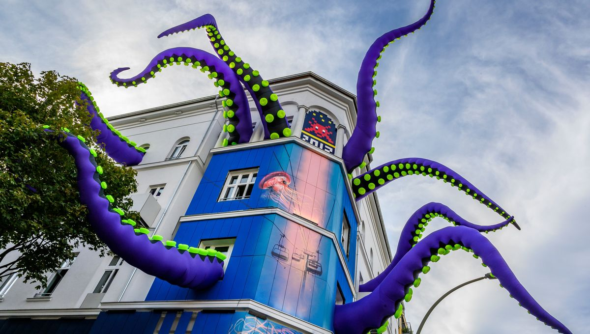 Tentacle street art in Germany