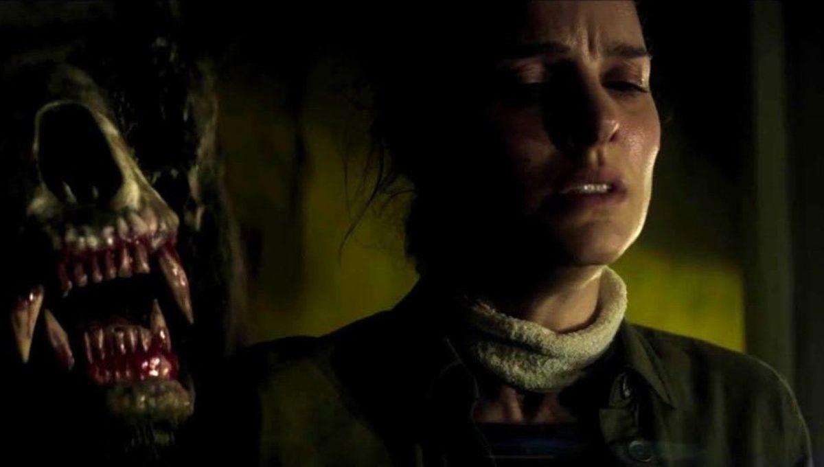 Natalie Portman with bear in Annihilation