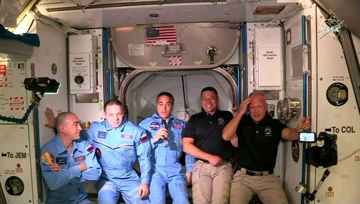 SpaceX Iss boarding