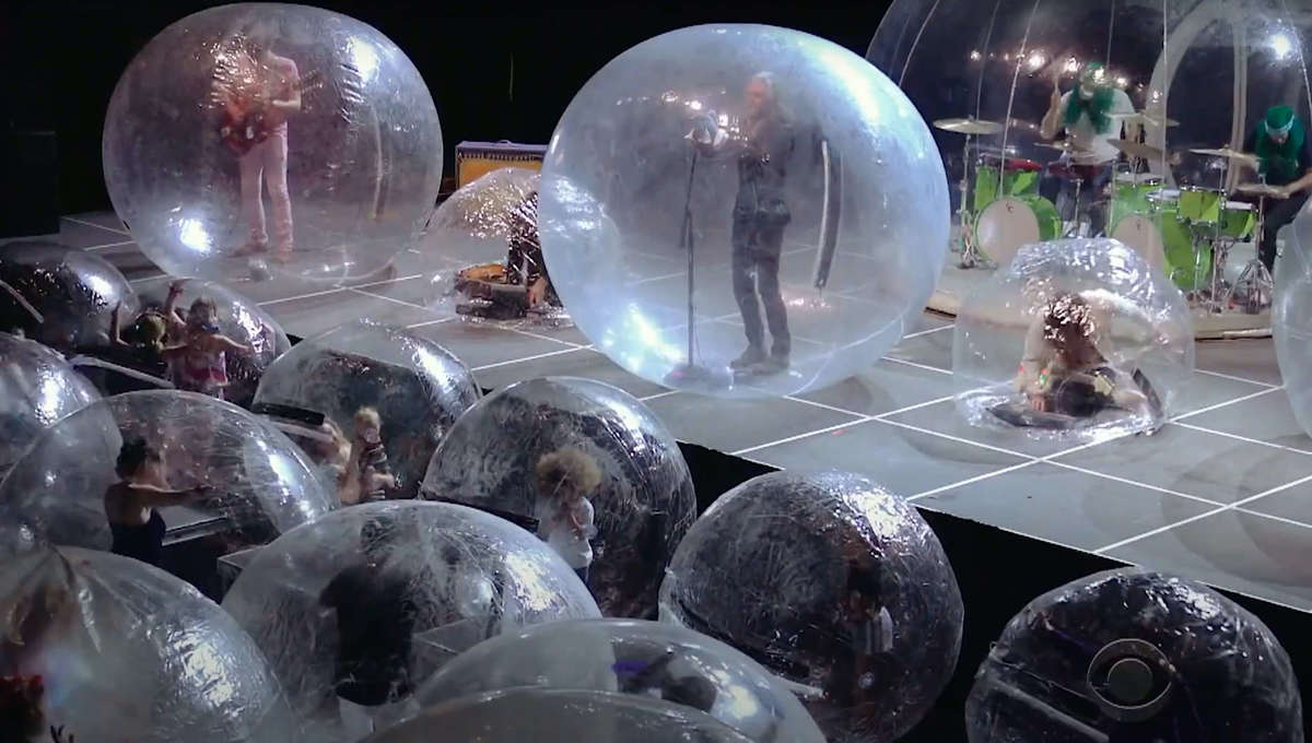 The Flaming Lips perform in bubbles