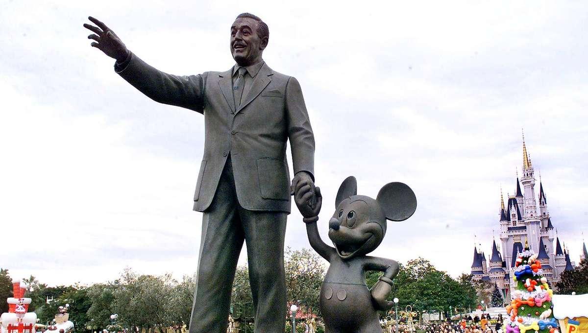 Walt Disney Mickey Mouse statue