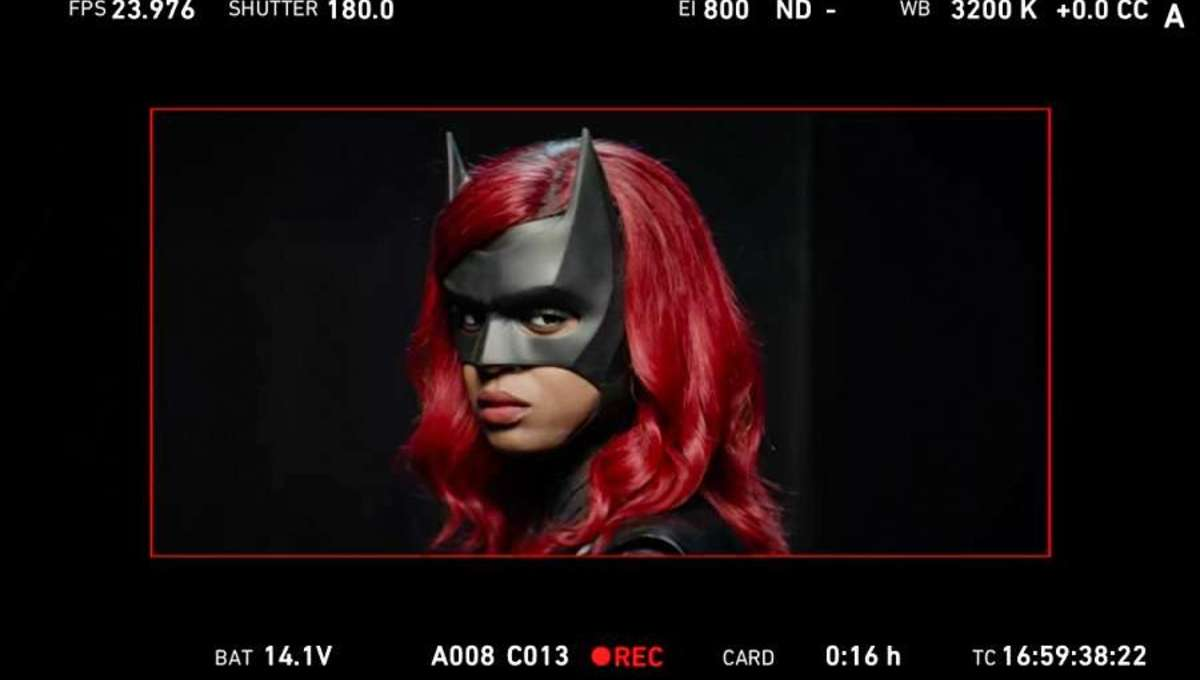 Look at Javicia Leslie as the new Batwoman revealed