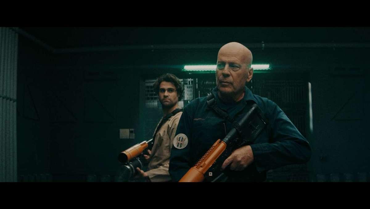 Bruce Willis & Cody Kearsley in Breach