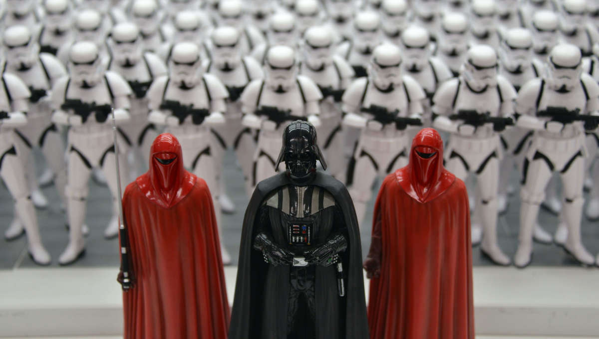 Star Wars figures of Darth Vader and Imperial Guard