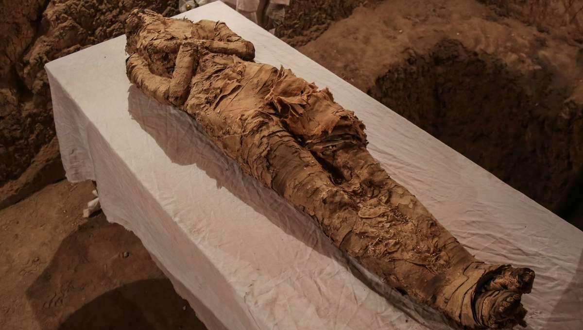 Mummy hero