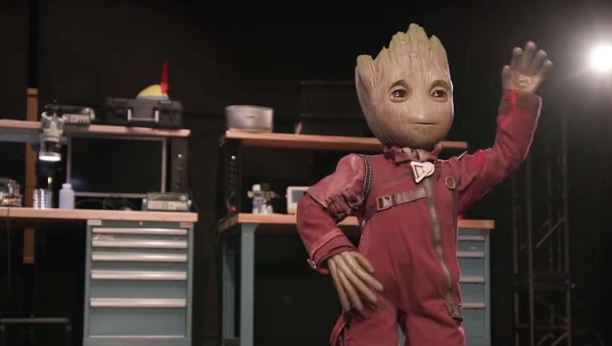 Baby Groot Robot Dancing