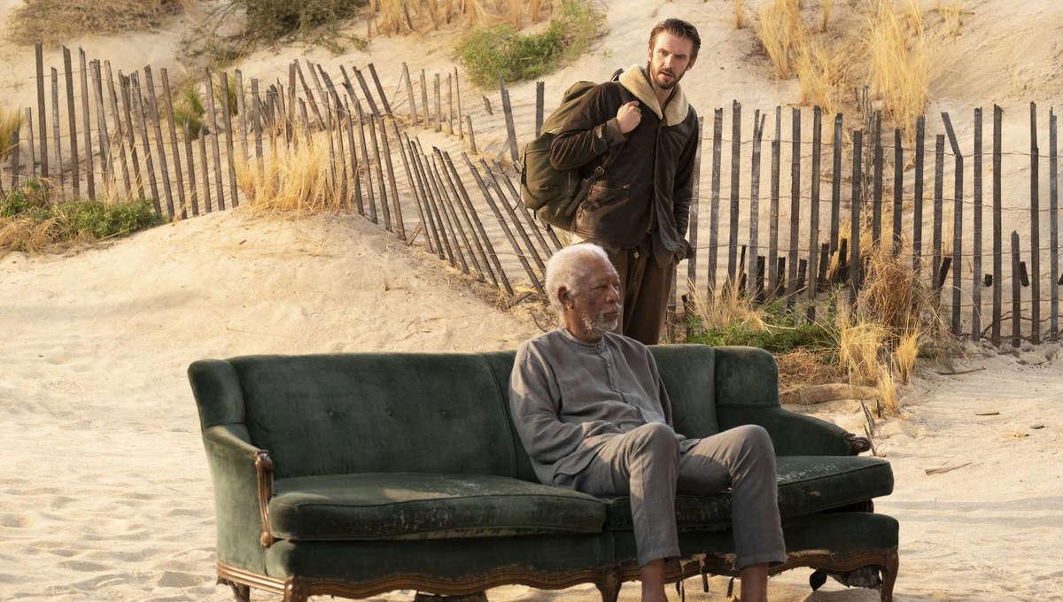 Morgan Freeman and Dan Stevens in Solos