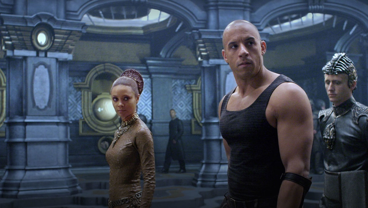 Thandie Newton and Vin Diesel in The Chronicles of Riddick