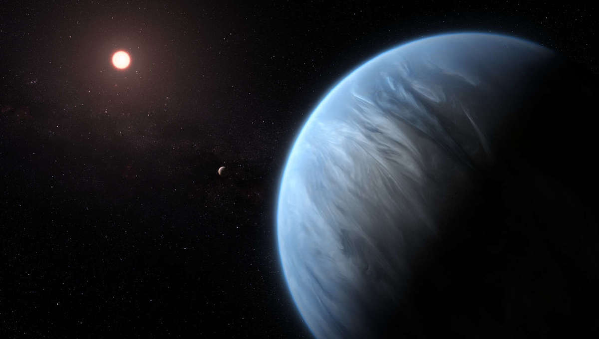 Artwork depicting an exoplanet in a multi-planet system. Credit: ESA/Hubble, M. Kornmesser