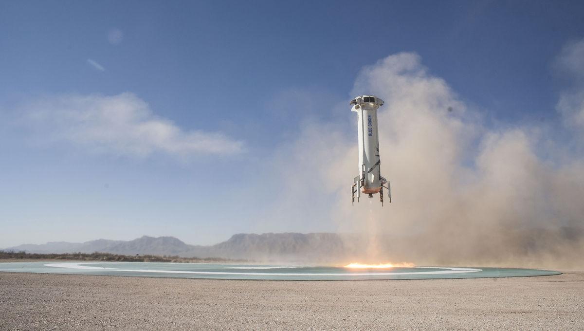 Blue Origin's New Shepard rocket lands in West Texas on its seventh test mission. Credit: Blue Origin