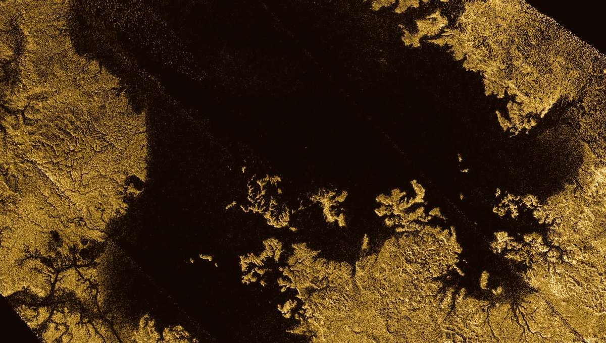 Ligeia Mare is a sea of liquid methane at Titan's north pole. Note the feeder tributaries leading into it. Credit: NASA/JPL-Caltech/ASI/Cornell