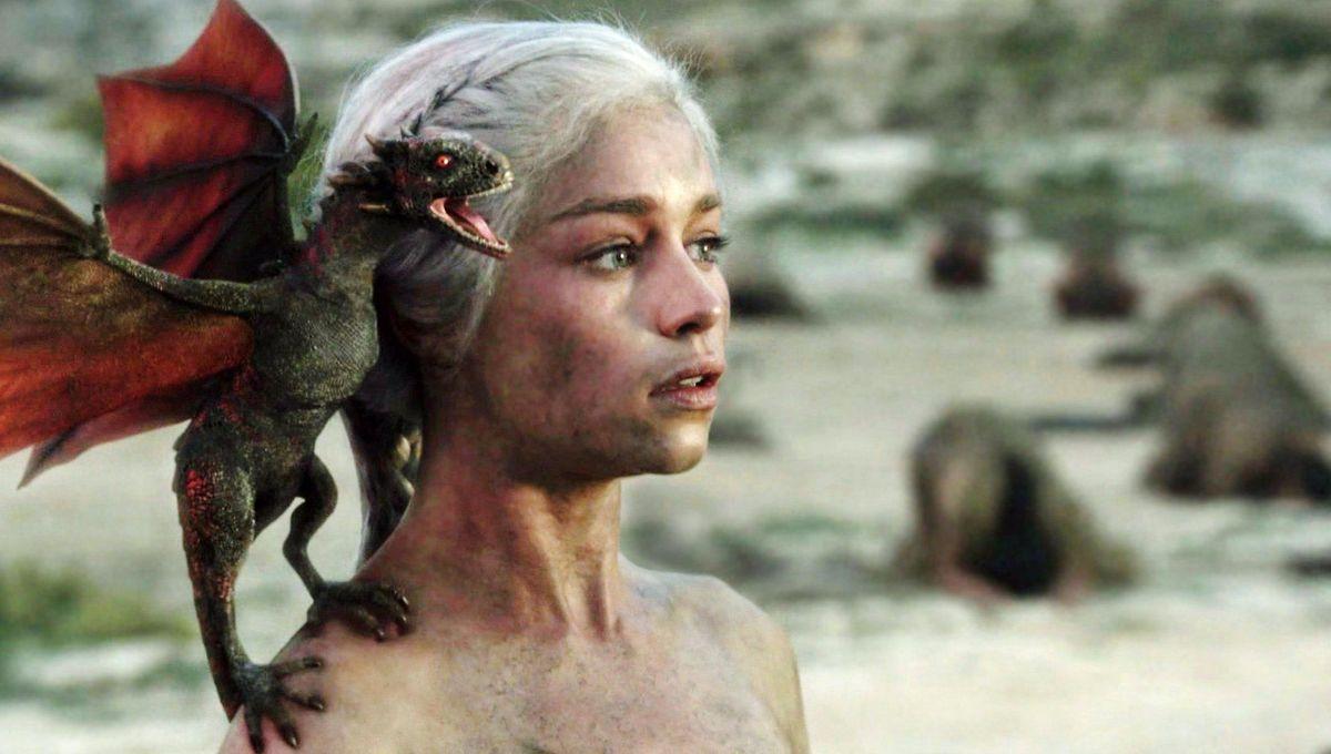 Daenerys Targaryen and baby dragon, Game of Thrones