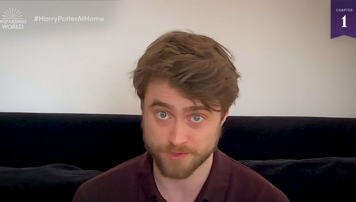 Daniel Radcliffe reading Harry Potter