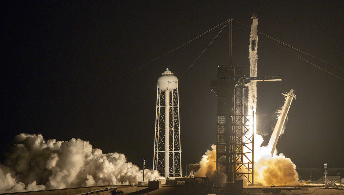 SpaceX Falcon 9 Liftoff