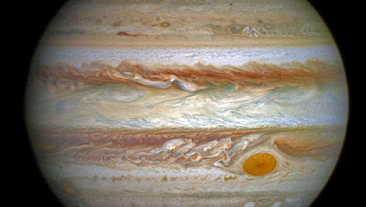 Liz Auroras on Jupiter