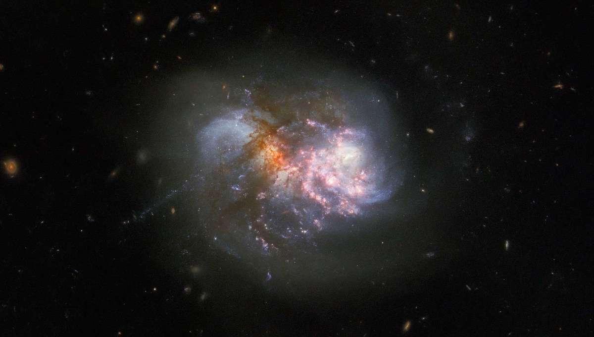 IC 1623 Hubble Image