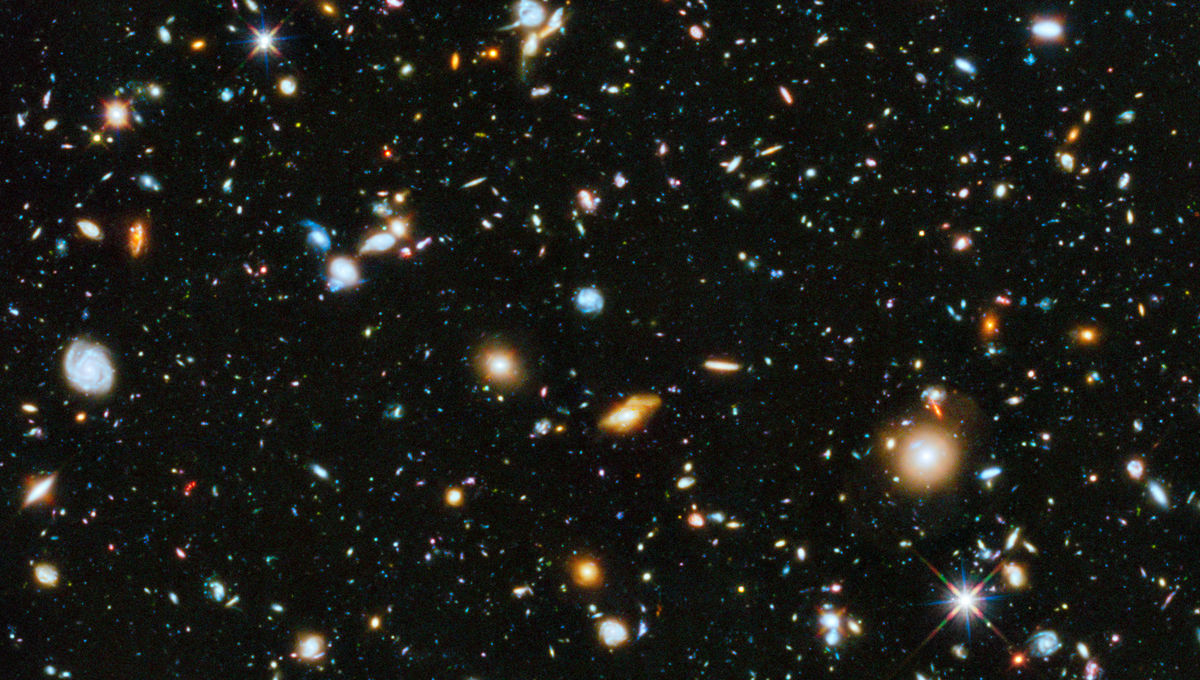 This is the Hubble Ultra Deep Field, and almost everything you see in it is a distant galaxy, billions of light years away. Credit:NASA, ESA, H. Teplitz and M. Rafelski (IPAC/Caltech), A. Koekemoer (STScI), R. Windhorst (Arizona State University), and Z.