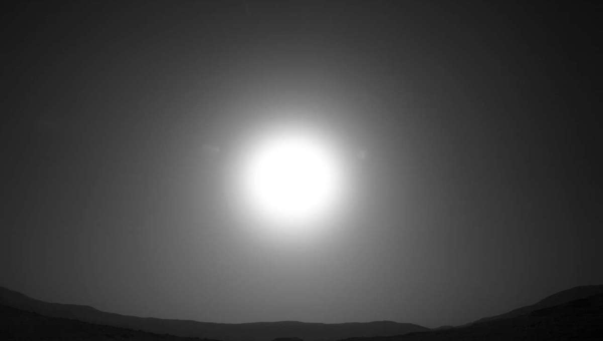 The Sun sets over Jezero crater as seen by the Mars rover Perseverance on Sol 4, the fifth Martian day after it landed (landing day is Sol 0; Sol 4 was February 23, 2021). Credit: NASA/JPL-Caltech