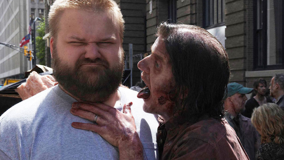 Robert Kirkman walking dead zombir.jpg