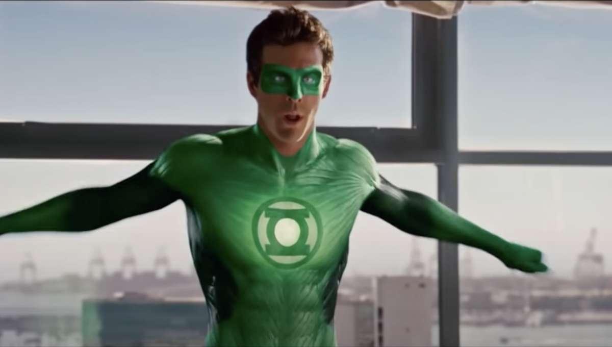 Ryan Reynolds Green Lantern Trailer Still